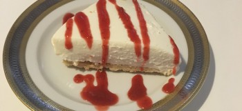 Cheesecake di ricotta con coulis di fragole