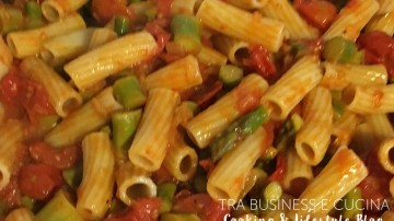 Rigatoni asparagi e pomodorini