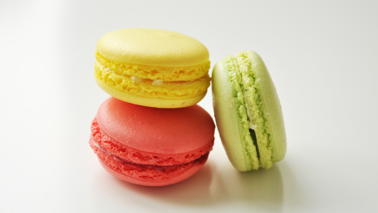 Macaroon Day - Macarons vs. Macaroons: What's the Difference?
