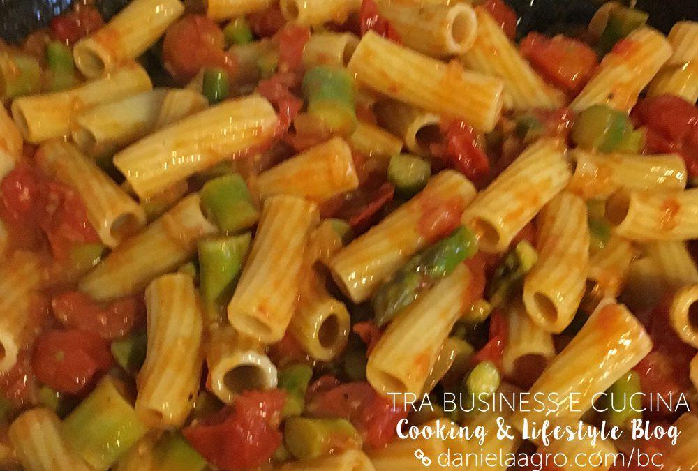 Rigatoni asparagi e pomodori di Pachino